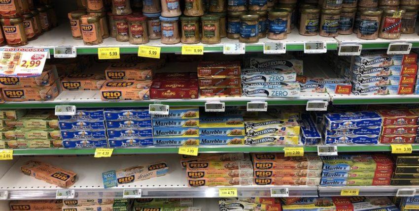Cosa mangiamo nelle scatolette di tonno…