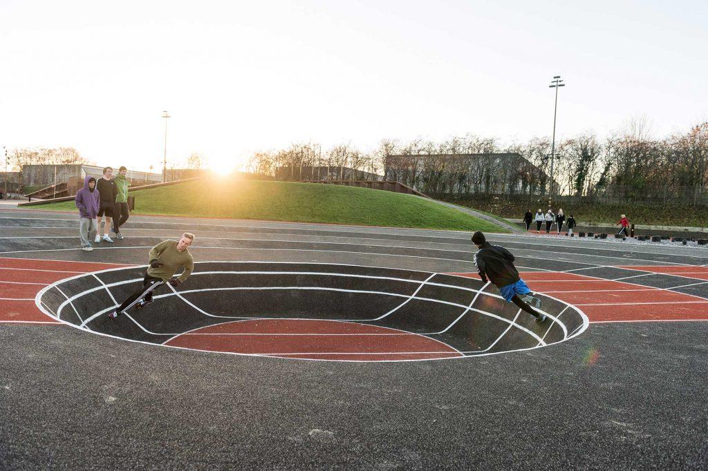 La pista di atletica a Odense presso l'Università della Danimarca meridionale.