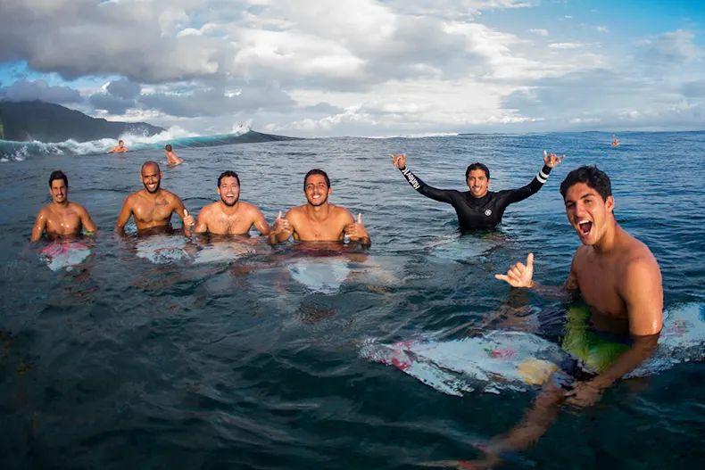 Brazilian Storm i ragazzi in acqua